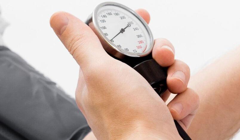 ¿Cómo regular la hipertensión arterial de manera natural..